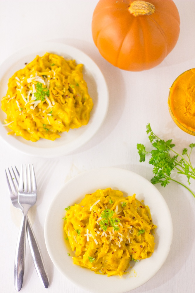 a-creamy-pumpkin-alfredo-penne-pasta-made-with-melted-cheese-that-will-not-only-satisfy-your-need-for-comfort-food-but-remove-any-guilt-of-eating-pasta-healthy-wholewheat-pasta-pumpkin